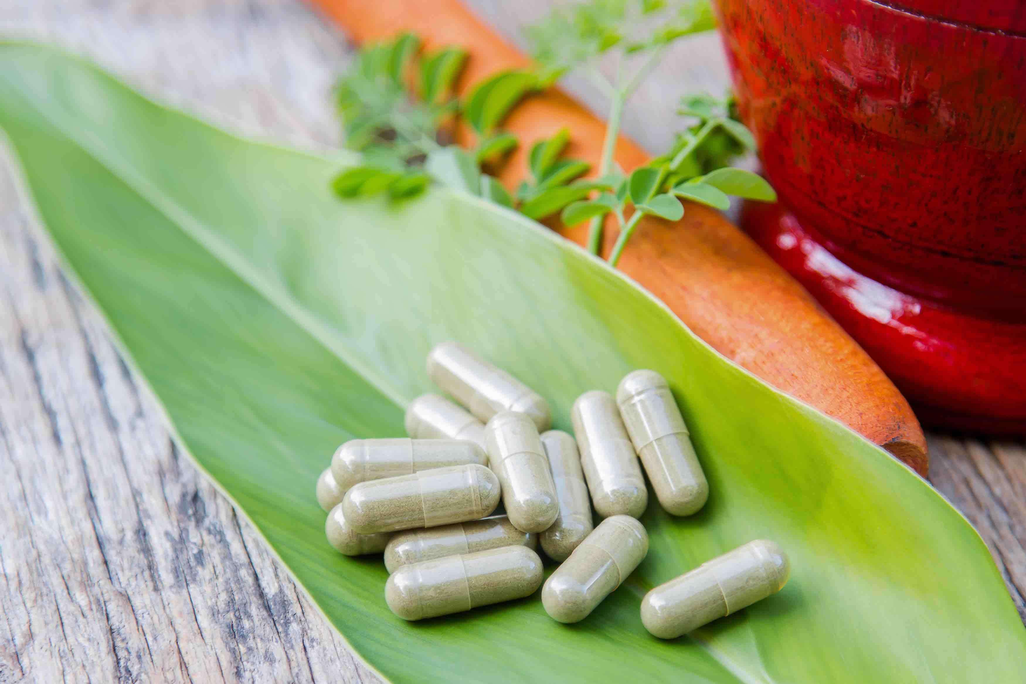 Non ? pi? salutare prendere un rimedio naturale come pianta fresca o erba sfusa invece che in pastiglie e capsule?