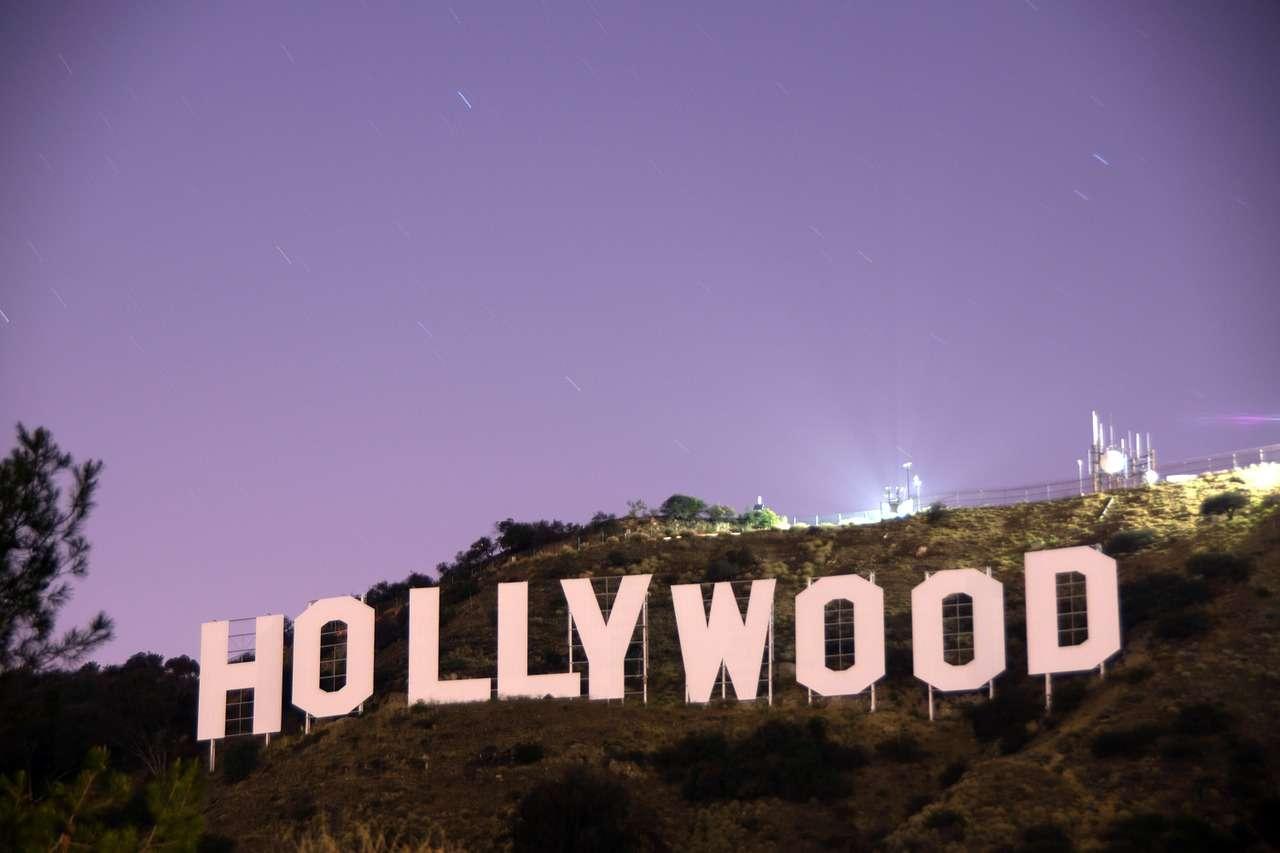 """La curcumina e i suoi numerosi benefici: ecco perchè un famoso medico delle star di Hollywood la suggerisce tra i suoi """"trucchi"""" anti-invecchiamento."""